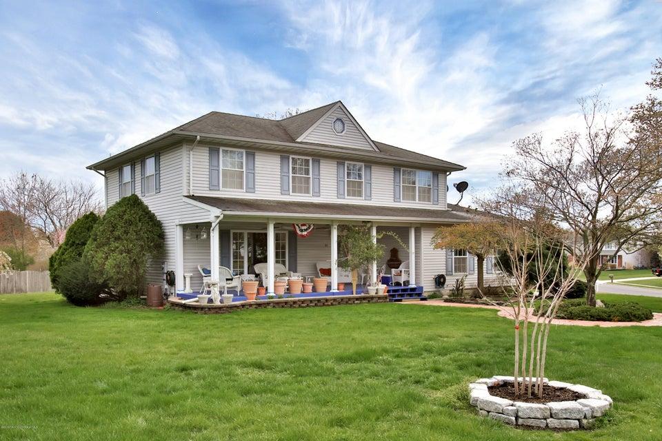 Maison unifamiliale pour l Vente à 613 Hill Drive Brick, New Jersey 08724 États-Unis