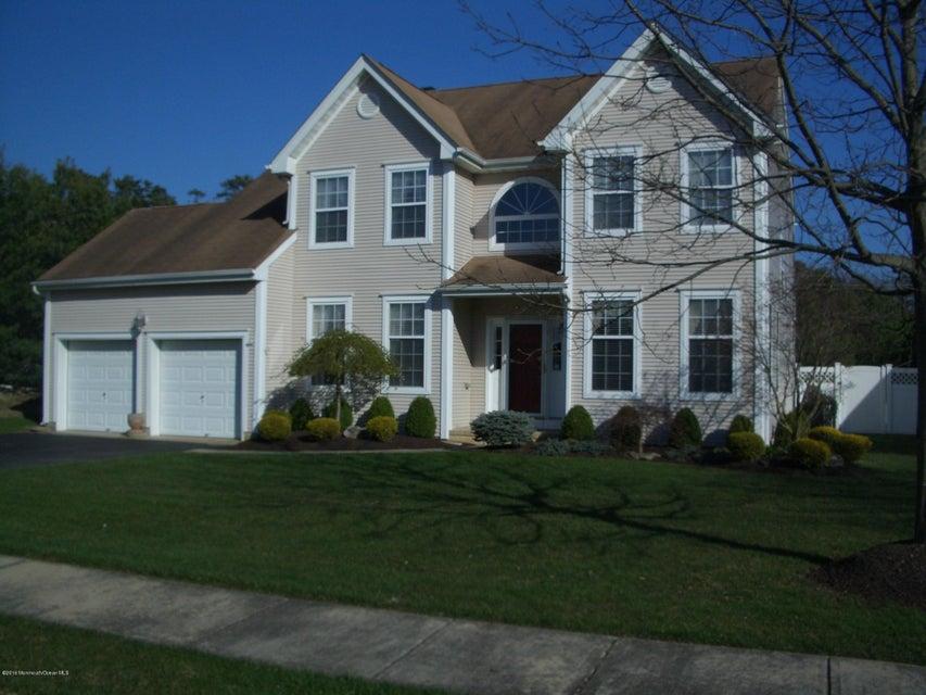 独户住宅 为 销售 在 33 Crown Circle 莱克伍德, 新泽西州 08701 美国