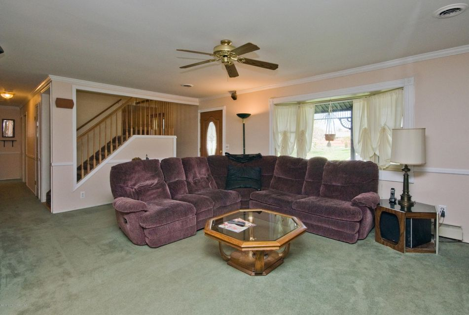 Additional photo for property listing at 1424 3rd Avenue  Toms River, New Jersey 08757 United States
