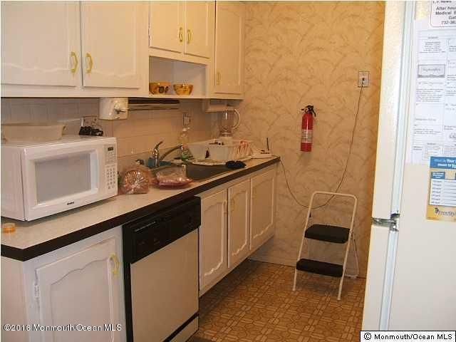 Additional photo for property listing at 96b Edinburgh Lane  Lakewood, New Jersey 08701 États-Unis