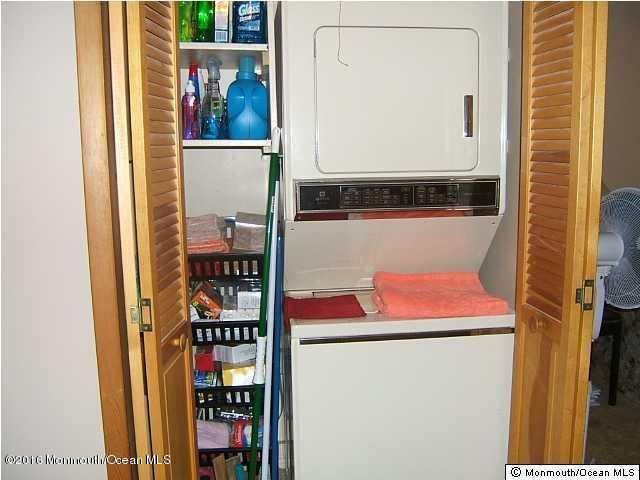 Additional photo for property listing at 96b Edinburgh Lane  莱克伍德, 新泽西州 08701 美国