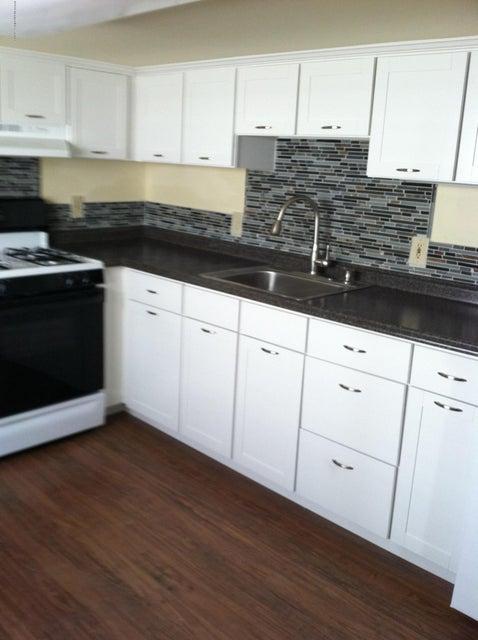 Additional photo for property listing at 140 Ocean Avenue  波因特普莱森海滩, 新泽西州 08742 美国