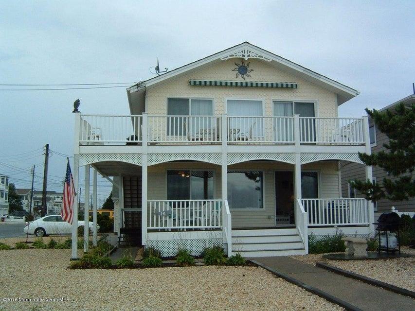 Maison avec plusieurs logements pour l Vente à 16 Shore Avenue Surf City, New Jersey 08008 États-Unis