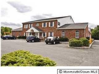Additional photo for property listing at 750 State Route 34  Matawan, New Jersey 07747 États-Unis