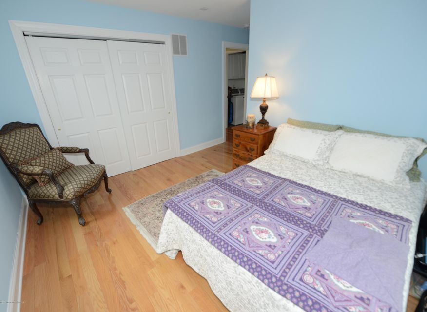 Additional photo for property listing at 34 Deep Creek  Manasquan, Nueva Jersey 08736 Estados Unidos