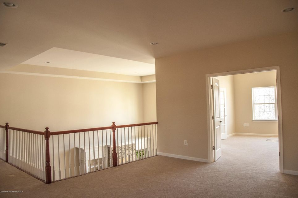 Additional photo for property listing at 47 Abbey Road  Tinton Falls, Nueva Jersey 07753 Estados Unidos