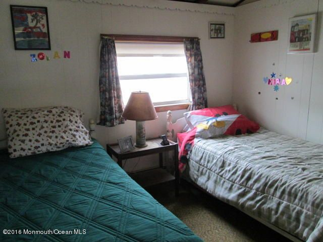 Additional photo for property listing at 100 Plover Way  Lavallette, New Jersey 08735 États-Unis