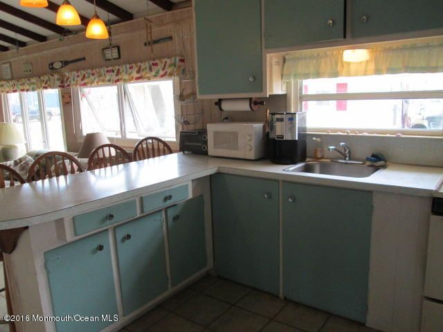 Additional photo for property listing at 100 Plover Way  Lavallette, Nueva Jersey 08735 Estados Unidos
