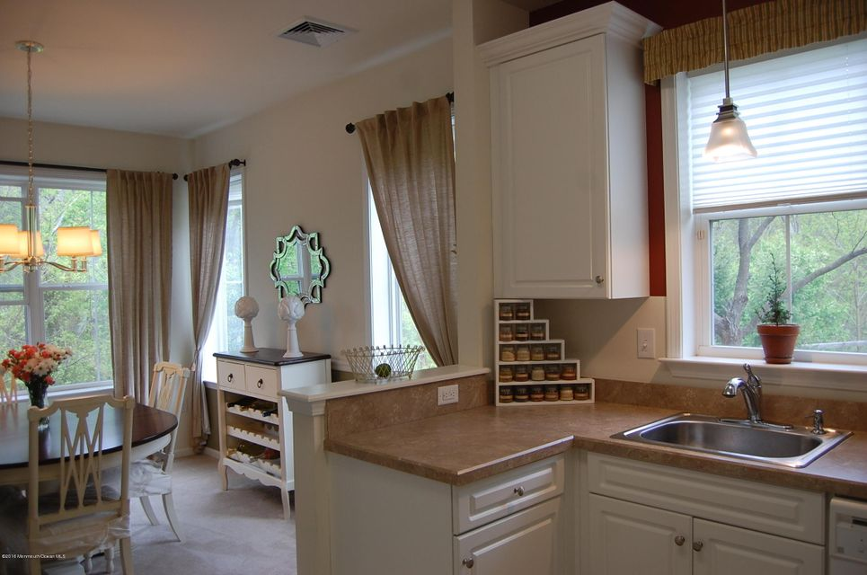 Additional photo for property listing at 318 Sloan Court  Matawan, 新泽西州 07747 美国