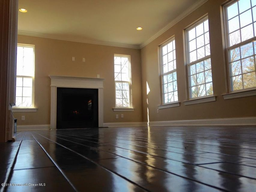 Additional photo for property listing at 379 Colonial Drive  Toms River, New Jersey 08753 États-Unis