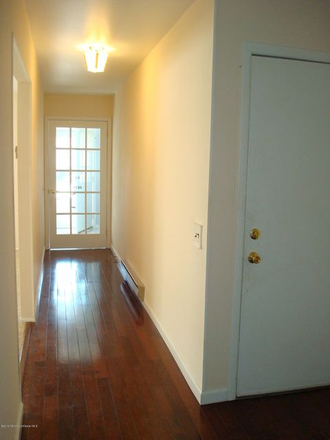 Additional photo for property listing at 5 Molly Pitcher Court  Whiting, Nueva Jersey 08759 Estados Unidos