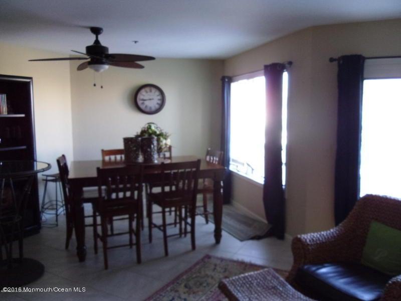 Additional photo for property listing at 900 Ocean Avenue  波因特普莱森海滩, 新泽西州 08742 美国