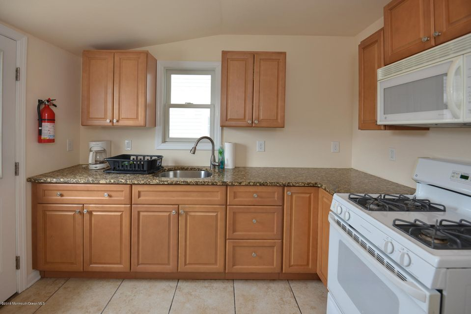 Additional photo for property listing at 231 1st Avenue  Manasquan, New Jersey 08736 United States