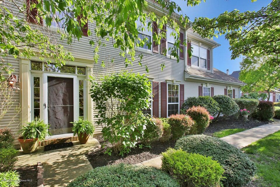 Appartement en copropriété pour l Vente à 11 Manor Court Wall, New Jersey 07719 États-Unis