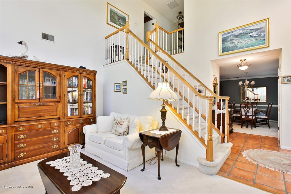 Additional photo for property listing at 11 Manor Court  Wall, New Jersey 07719 États-Unis