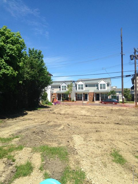 Additional photo for property listing at 100 Liberty Street  Long Branch, New Jersey 07740 États-Unis