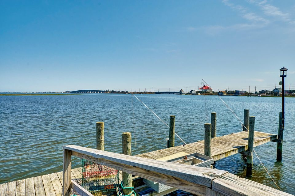 Additional photo for property listing at 1302 Mallard Drive  Manahawkin, 新泽西州 08050 美国