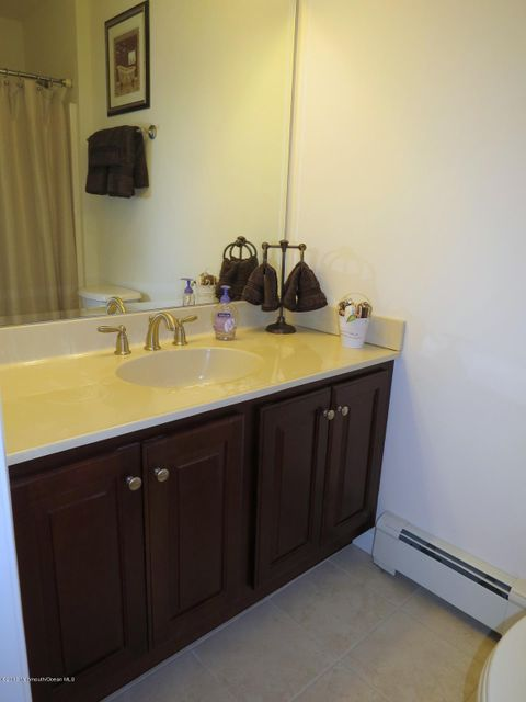 Additional photo for property listing at 173 Holly Avenue 173 Holly Avenue West Creek, 新泽西州 08092 美国