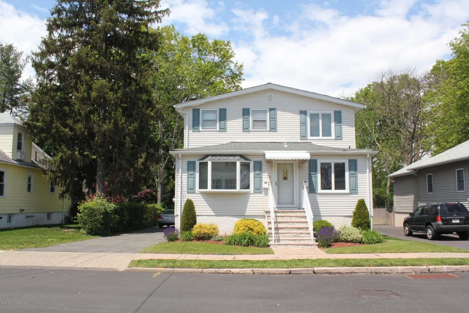 Additional photo for property listing at 19 William Street  Rochelle Park, New Jersey 07662 États-Unis