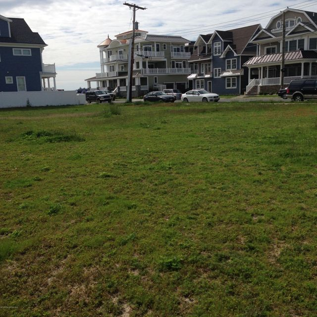 Additional photo for property listing at 102 13th Avenue  Belmar, New Jersey 07719 États-Unis