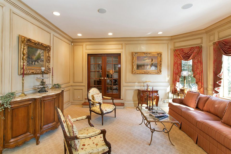 Additional photo for property listing at 14 Buttonwood Lane  Rumson, New Jersey 07760 États-Unis