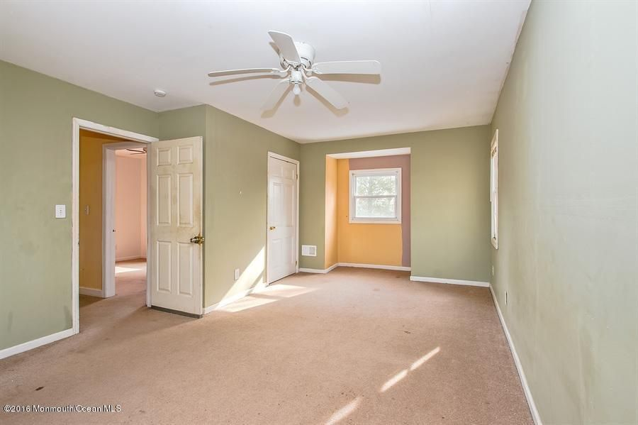 Additional photo for property listing at 53 Dey Grove Road  Manalapan, Nueva Jersey 07726 Estados Unidos