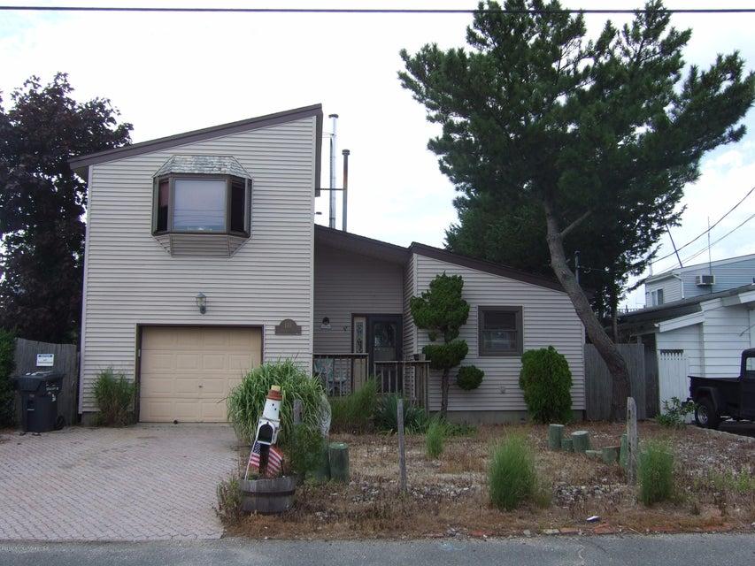Maison unifamiliale pour l Vente à 110 Cartagena Drive Brick, New Jersey 08723 États-Unis