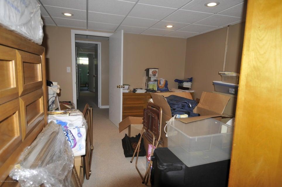 Additional photo for property listing at 29 Fredric Drive  Asbury Park, Nueva Jersey 07712 Estados Unidos