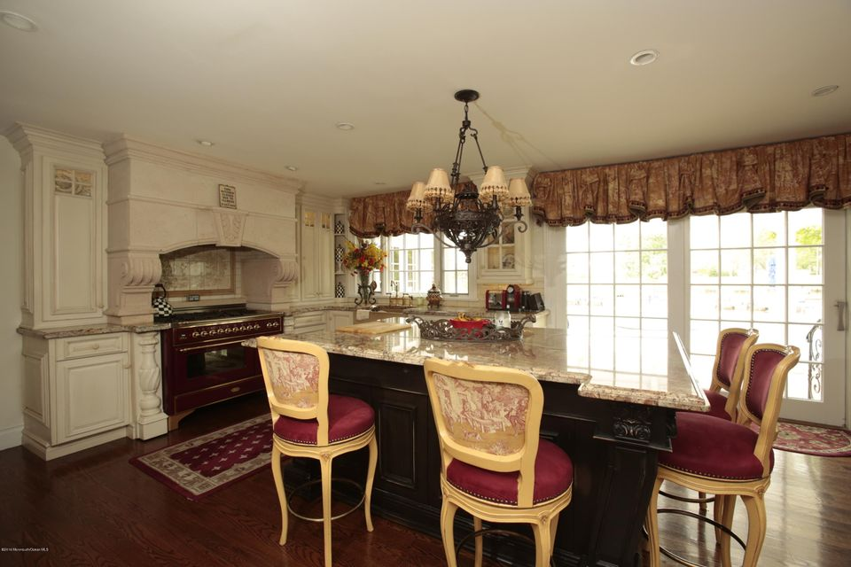 Additional photo for property listing at 66 Oakes Road  Little Silver, New Jersey 07739 États-Unis