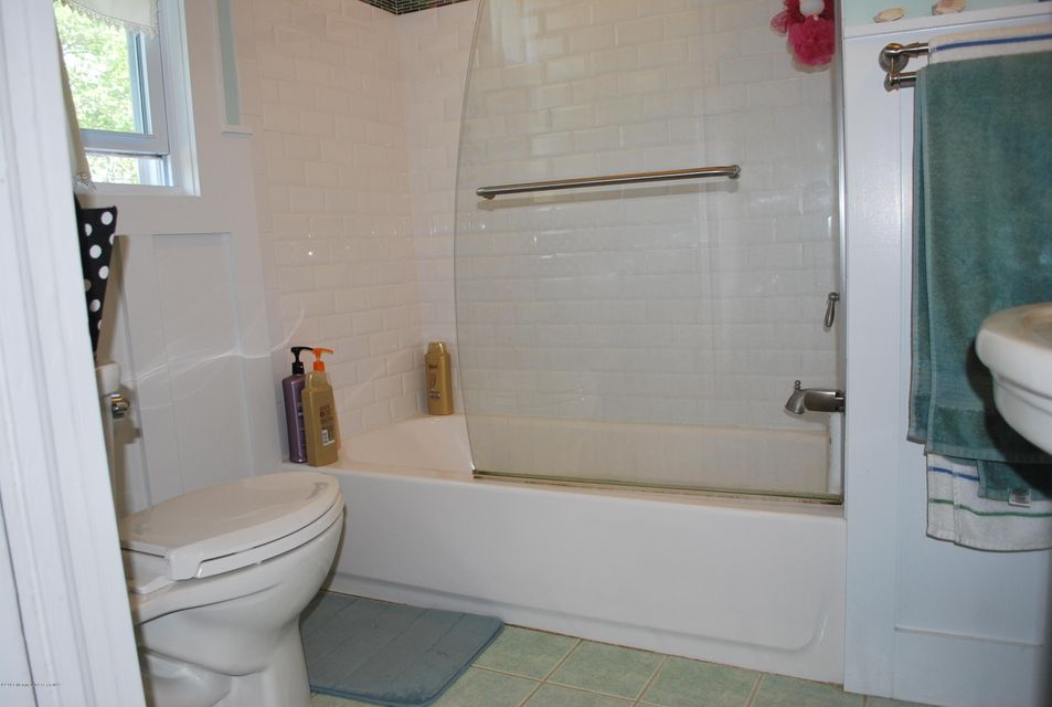 Additional photo for property listing at 319 Forman Avenue  Point Pleasant Beach, Nueva Jersey 08742 Estados Unidos