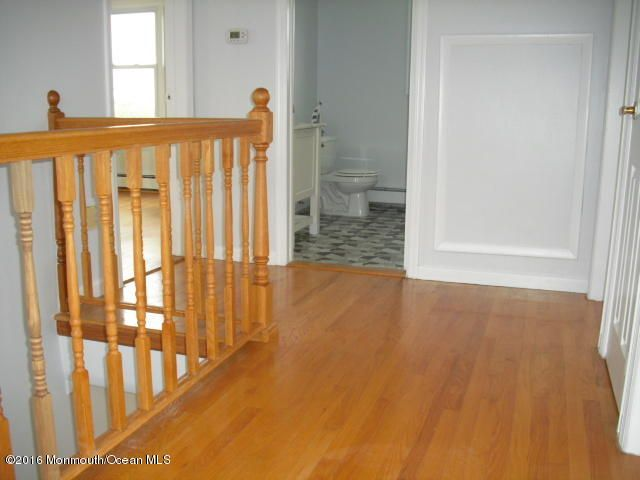Additional photo for property listing at 112 Beachway Avenue  Keansburg, New Jersey 07734 États-Unis
