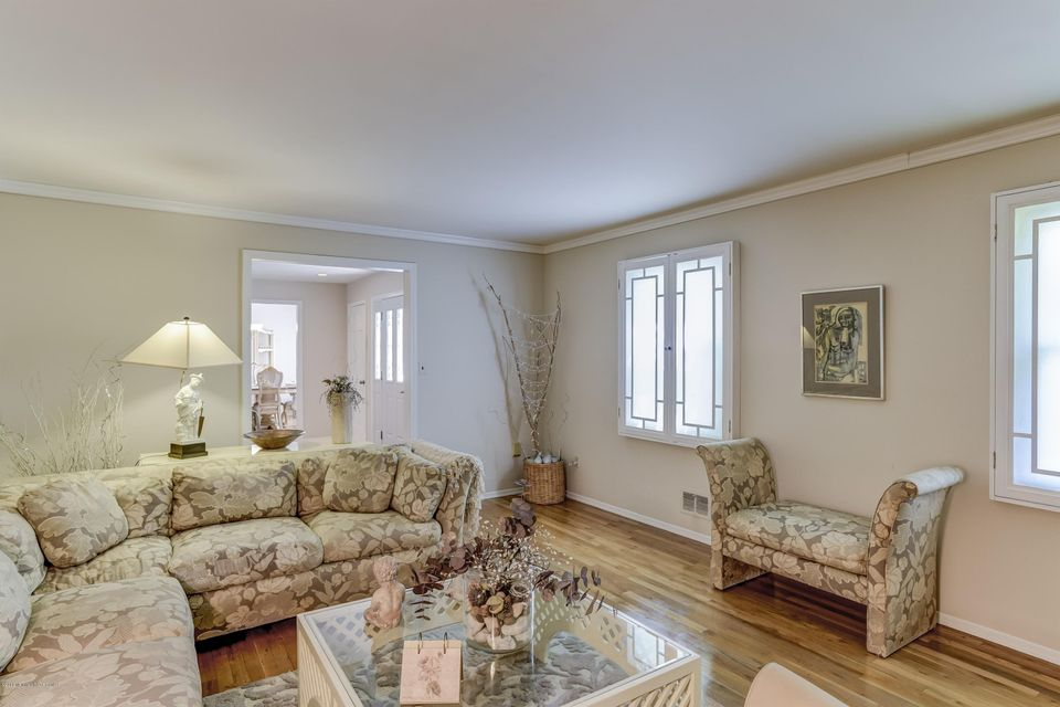 Additional photo for property listing at 275 Plainfield Road  Edison, Nueva Jersey 08820 Estados Unidos
