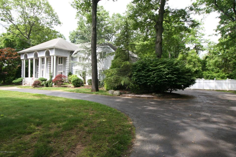 Additional photo for property listing at 2 Talleyrand Drive  Colts Neck, 新泽西州 07722 美国