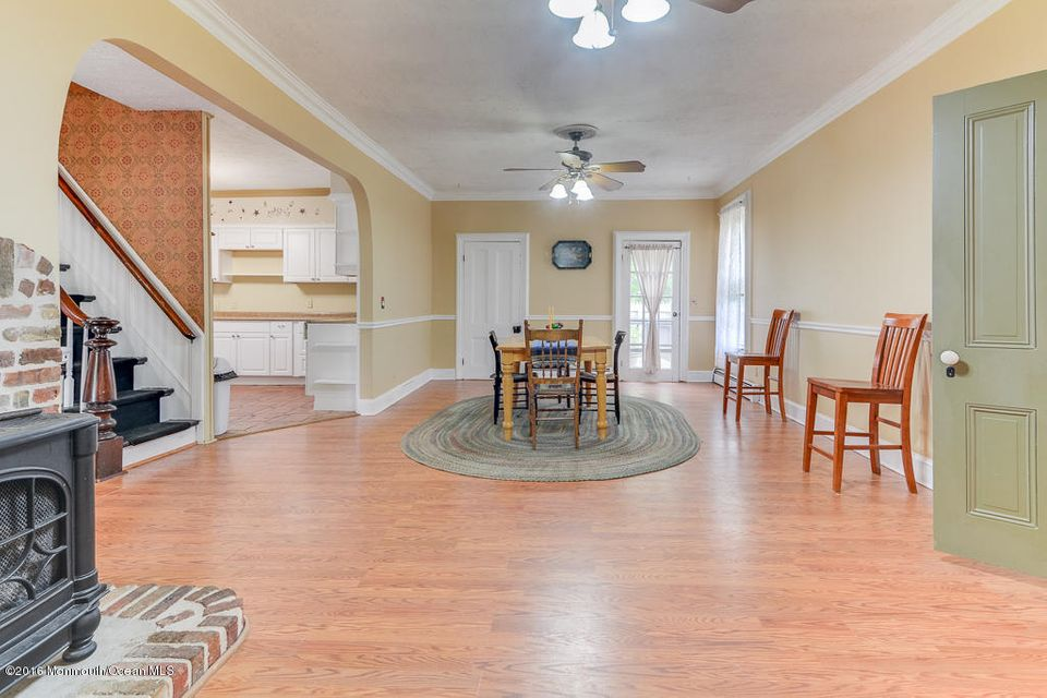 Additional photo for property listing at 106 Railroad Avenue  Barnegat, New Jersey 08005 United States