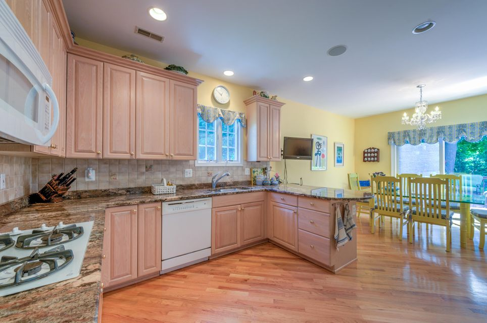 Additional photo for property listing at 20 Windward Way  Red Bank, New Jersey 07701 United States