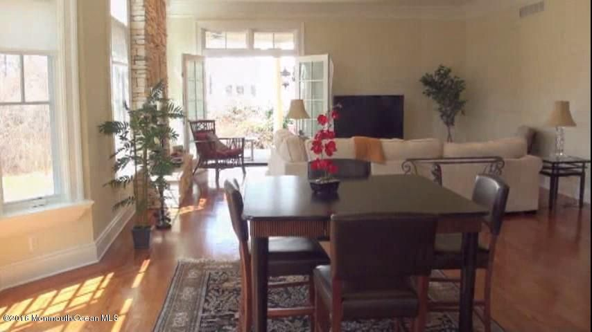 holmdel mature singles Single family home for sale in holmdel, nj for $850,000 with 5 bedrooms and 3 full baths, 1 half bath this home was built in 1980 on a lot size of 265 x 200.