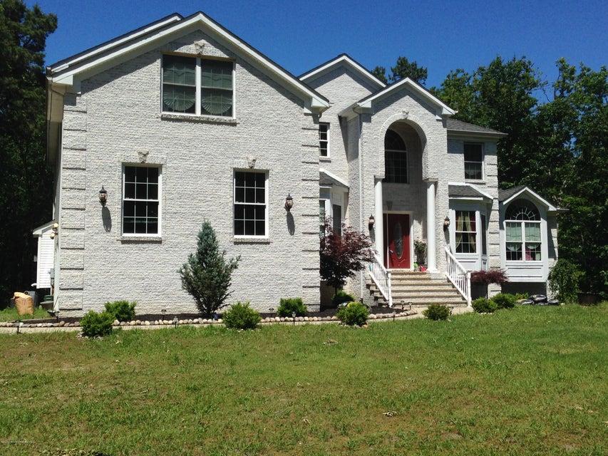 Maison unifamiliale pour l Vente à 8 Trenton Lakewood Road Clarksburg, New Jersey 08510 États-Unis