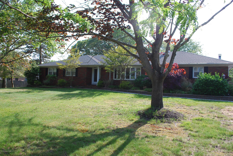 Maison unifamiliale pour l Vente à 1010 Indian Hill Road Toms River, New Jersey 08753 États-Unis
