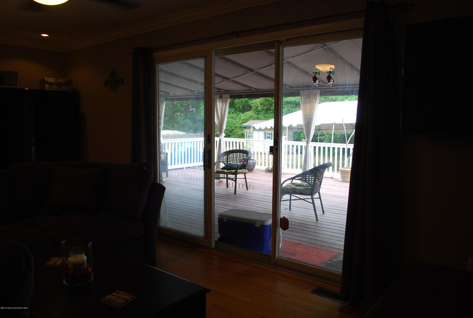 Additional photo for property listing at 1010 Indian Hill Road  Toms River, New Jersey 08753 États-Unis