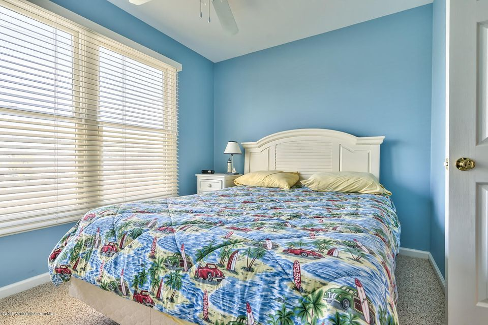 Additional photo for property listing at 1114 Central Avenue  Seaside Park, New Jersey 08752 États-Unis