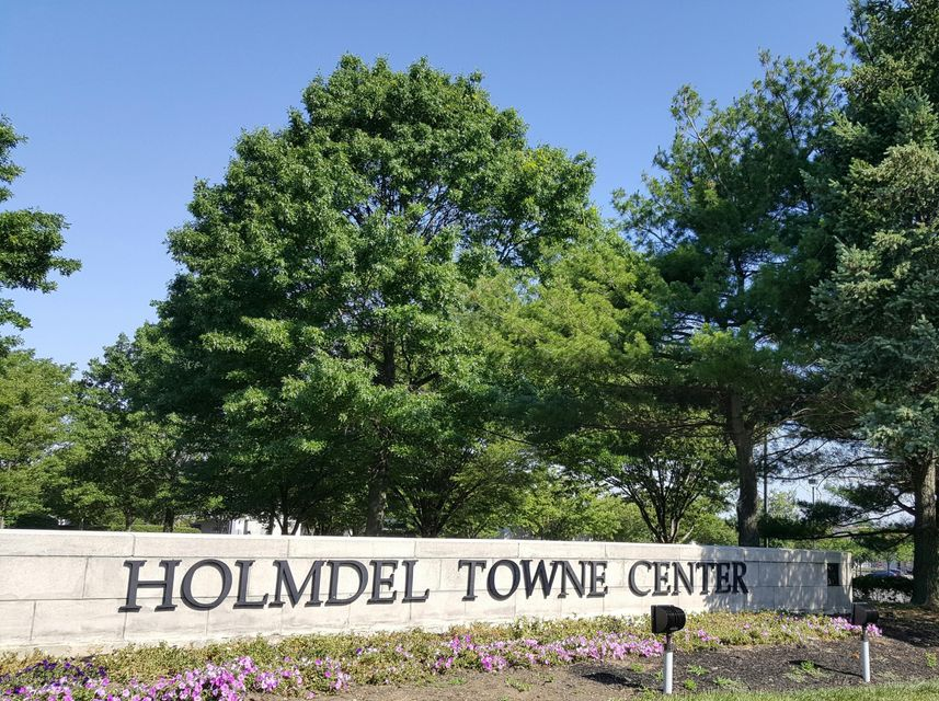 Commercial for Sale at 2101 Highway 35 Holmdel, New Jersey 07733 United States
