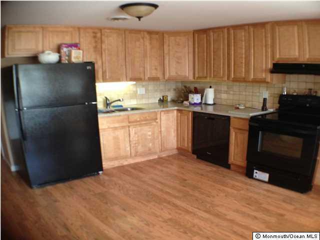 Additional photo for property listing at 28 Drake Way  汤姆斯河, 新泽西州 08753 美国