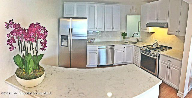 Condominium for Sale at 37 Farnham Square Parlin, 08859 United States