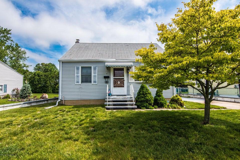 Casa Unifamiliar por un Venta en 35 Irving Avenue Spotswood, Nueva Jersey 08884 Estados Unidos