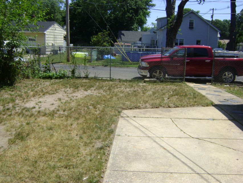 Additional photo for property listing at 67-69 Port Monmouth Road  Keansburg, Nueva Jersey 07734 Estados Unidos