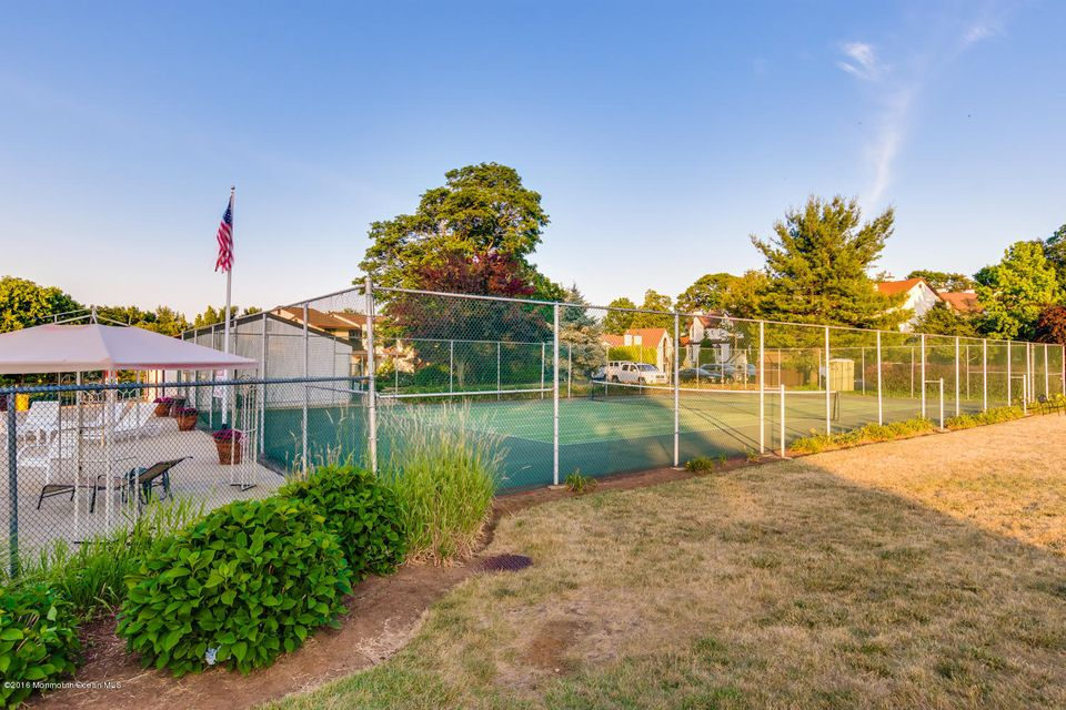Additional photo for property listing at 7 Tower Hill Drive 7 Tower Hill Drive Red Bank, Nueva Jersey 07701 Estados Unidos