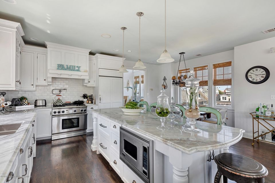 Additional photo for property listing at 200 7th Avenue  Belmar, Nueva Jersey 07719 Estados Unidos