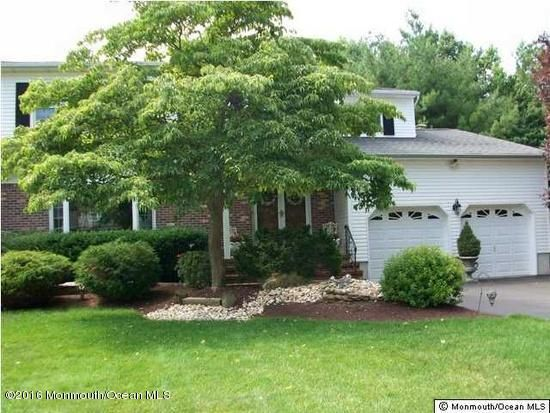 Maison unifamiliale pour l Vente à 54 Tracy Drive Manalapan, New Jersey 07726 États-Unis