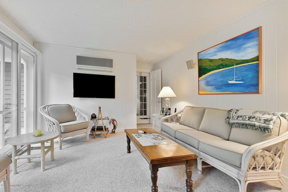 Additional photo for property listing at 8 Berkeley Square  Brielle, New Jersey 08730 États-Unis