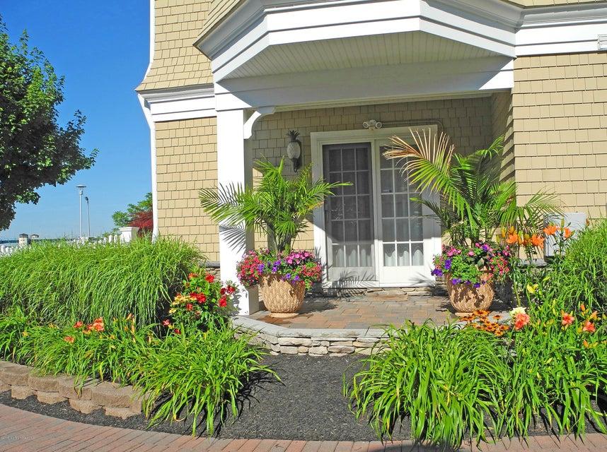Nhà ở một gia đình vì Bán tại 206 River Mist Way 206 River Mist Way Brielle, New Jersey 08730 Hoa Kỳ